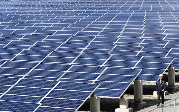 天候に恵まれた九州は太陽光発電が盛ん(福岡県みやま市の太陽光発電所)