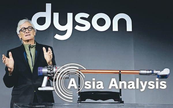 ダイソン創業者のジェームズ・ダイソン氏は掃除機やドライヤーと同様、自動車でも革新的製品を狙っていたが…(2018年3月、東京での新型掃除機発表会)