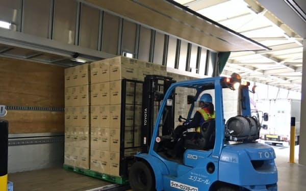 大王製紙など4社はパレット物流に取り組む(岐阜県可児市の物流倉庫)
