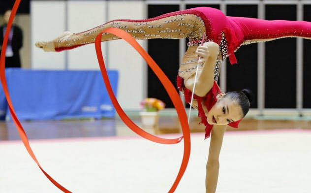 女子個人総合で優勝した喜田純鈴のリボン(19日、千葉ポートアリーナ)=共同