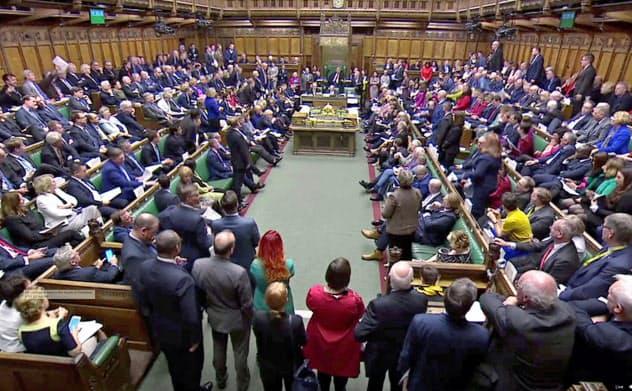 英議会、新EU離脱案の採決先送り 修正動議を可決
