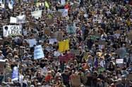 スイスでは9月に首都ベルンで環境問題への対策を訴えた大規模デモがあった=AP