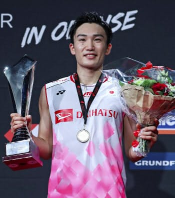 デンマーク・オープンの男子シングルスで2連覇を果たした桃田賢斗(20日、オーデンセ)=ゲッティ共同