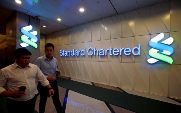 英銀スタンダードチャータードは、CEOの報酬を巡って投資家から非難を浴びている=ロイター
