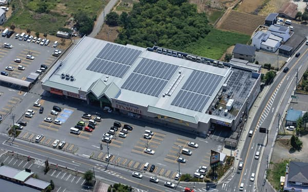 VPPジャパンは小売店舗の屋根に太陽光を無料設置する事業を展開している