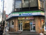 ファミリーマートは外国人向けに英語のナレーションを店内放送に取り入れていく