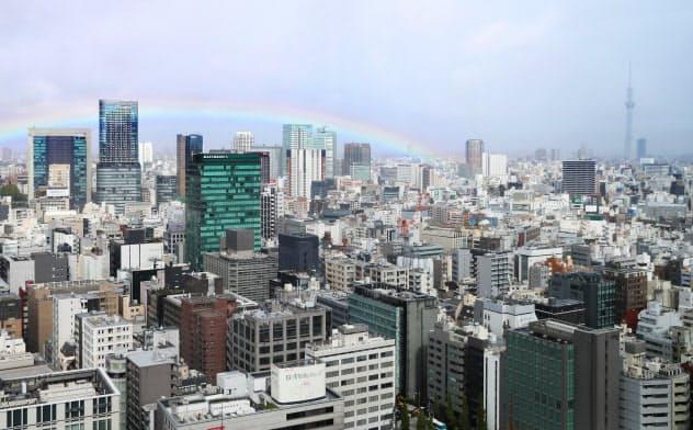 東京都心に虹 即位礼正殿の儀を前に