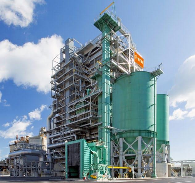 水力発電所開発で出た木材はバイオマス発電の燃料として活用する(大分県佐伯市の発電所)