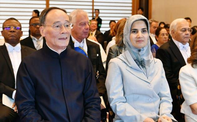 「祝賀外交」活発 首相、連日の2国間会談