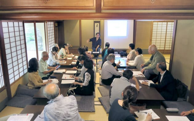 茶道の講話などが開かれる学問所(京都市上京区)