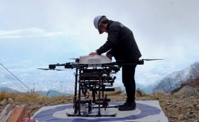 標高2600メートル超えの山岳地でドローンを飛ばし、5G利用で4K映像の送信試験を実施
