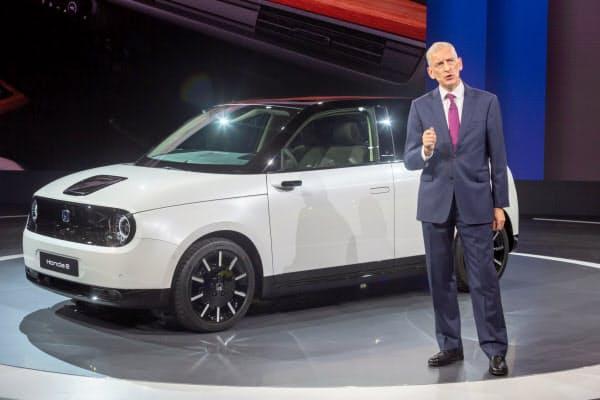 20年に欧州で販売する「ホンダ e」を皮切りに電動化戦略を進める(9月のフランクフルト国際自動車ショー)