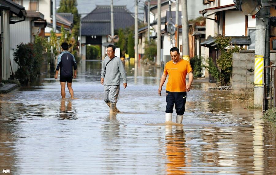 台風19号、支援法対象外9割か 床上浸水の深さで明暗: 日本経済新聞