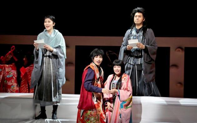 主人公は4人。左から松たか子、志尊淳、広瀬すず、上川隆也(篠山 紀信撮影)