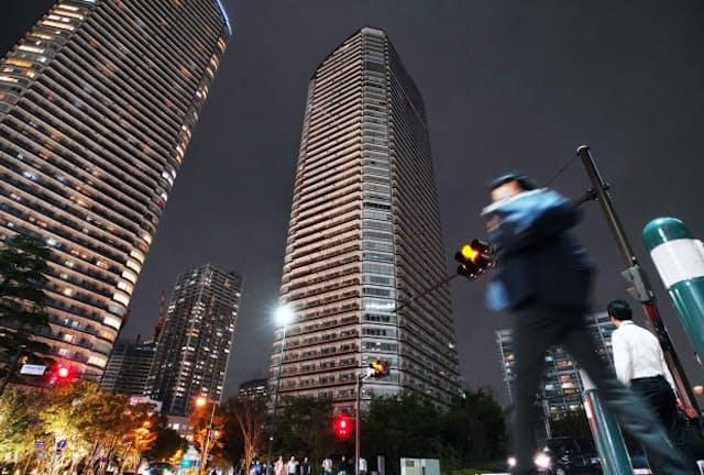 台風はタワーマンションにも被害を与えた(10月、川崎市中原区)