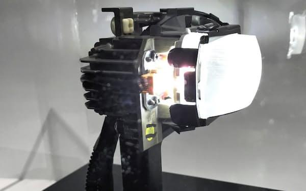 小糸製作所の前方車・対向車を検知するランプ
