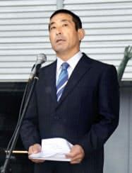 交通安全啓発活動の出発式で話す則竹敬太君の父、崇智さん(25日、愛知県一宮市)=共同