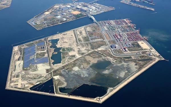 大阪・関西万博の会場となる人工島・夢洲(大阪市)。IRの誘致も想定されている