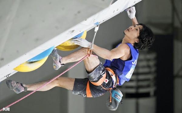 男子決勝 優勝した清水裕登(27日、印西市松山下公園総合体育館)=共同