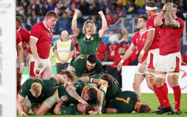 南アフリカが決勝進出 ウェールズとの接戦制す