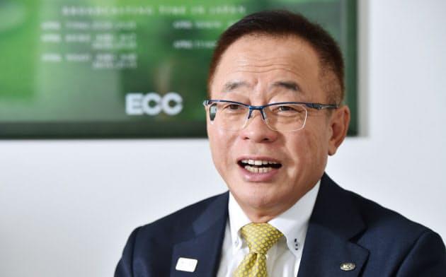 はなふさ・まさひろ 1954年岡山県生まれ。京都産業大学を卒業した後、米国に留学。帰国後、84年にECC入社。講師としてキャリアをスタートし、ジュニア事業や法人渉外事業などに携わる。94年取締役に就任。2009年から副社長。