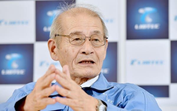 インタビューに答える旭化成の吉野彰名誉フェロー