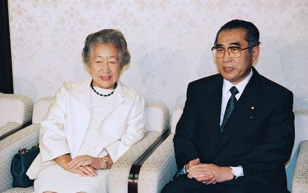 小渕首相は「緒方外相」構想を検討した(1998年9月、首相官邸)