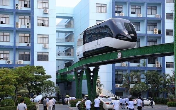 BYDの本社内に建設したモノレール。EVメーカーからの脱却を急いでいる(広東省深圳市)