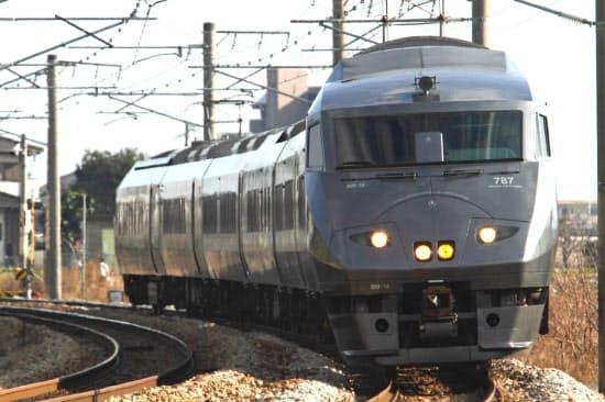 旧「つばめ」は九州全域で特急列車として運行している。