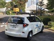 車に付けたセンサーで測量する(30日、名古屋市)