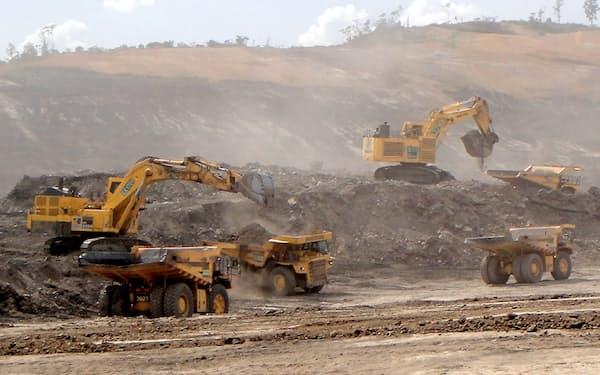 コマツはインドネシア向けの鉱山機械需要が低迷している