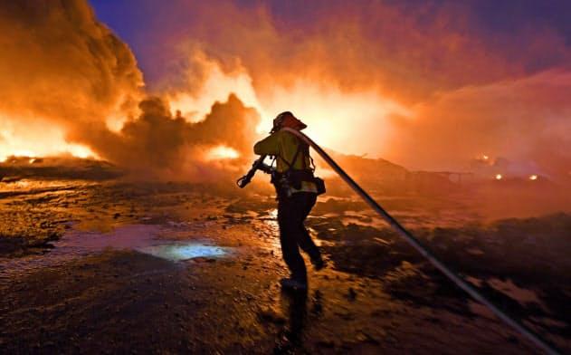 カリフォルニア州では、山火事の発生が相次いでいる(州北部、27日)=AP
