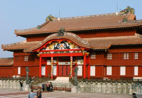 火災前の首里城正殿(2006年、那覇市)