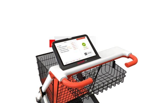 タブレット端末を搭載したショッピングカートは、商品のバーコードをスキャンすれば自動的に支払いまでできる(超ハイ網絡科技提供)