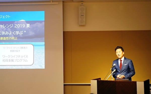 日本マイクロソフトの手島主税執行役員常務