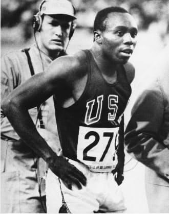 五輪の陸上男子100メートルで初めて10秒の壁を破ったジム・ハインズ=AP