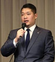 米大リーグ挑戦を正式に表明したDeNAの筒香嘉智外野手(10月29日、横浜市内のホテル)=共同
