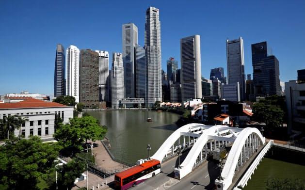 シンガポール政府は、アジアの金融中心地の座を競い合ってきた香港で続く抗議運動に神経をとがらせている=ロイター