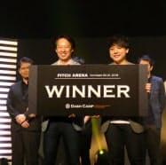 起業家イベント「Bダッシュキャンプ」のプレゼン大会ではAnyflow(写真右が坂本蓮社長)が優勝した(福岡市)