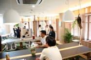 共用オフィスは観光客らに無料で開放して「ワーケーション」を支援(沖縄県名護市のホテルゆがふいんおきなわ)
