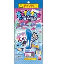 バンダイが8日に発売するスライム状の入浴剤「スライムクムク入浴剤」