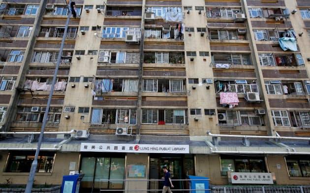 香港デモ隊の抗議活動の焦点は世界で最も手が届きにくい住宅のコストに対する怒りに移っている=ロイター