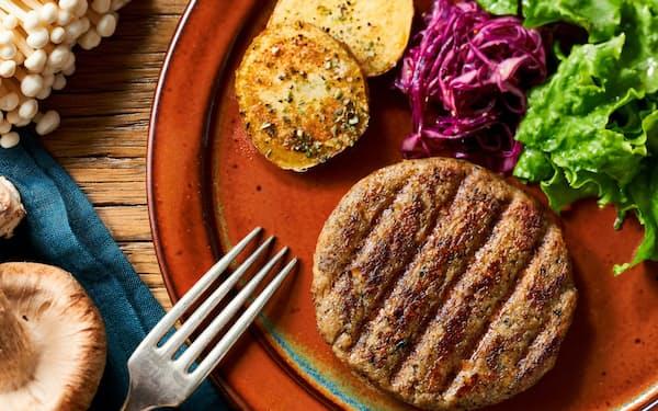 バイオコスモがオイシックス・ラ・大地と共同で開発したキノコで作ったハンバーグ