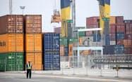 タイは米中貿易戦争の影響で輸出が減少している(タイ中部のレムチャバン港)