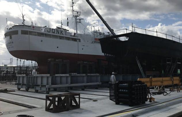 みらい造船の新工場では同時に10隻の大型漁船を建造できる(宮城県気仙沼市)
