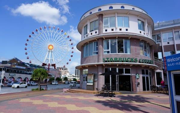 ACCO事務所は観光地である沖縄県北谷町のビルの3階に入居する(10月)