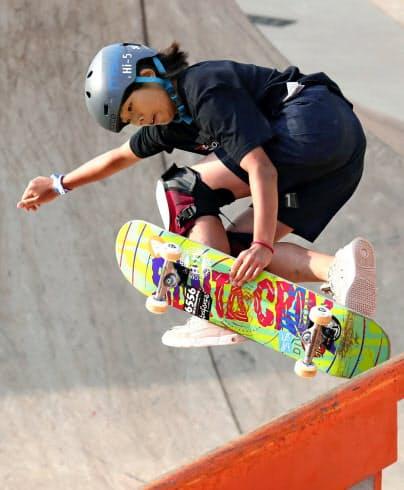 スケートボード・女子パーク世界女王の岡本は東京五輪でも金メダルの有力候補だ(9月のサンパウロでの世界選手権)=共同
