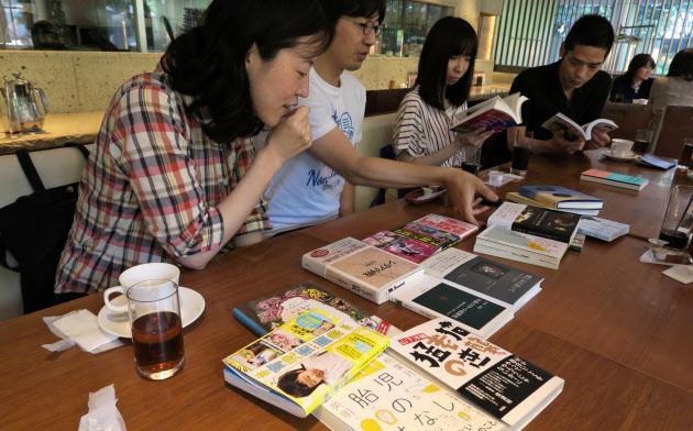 「読書しない読書会」で、なぜこの本を買ったのかをシェアする