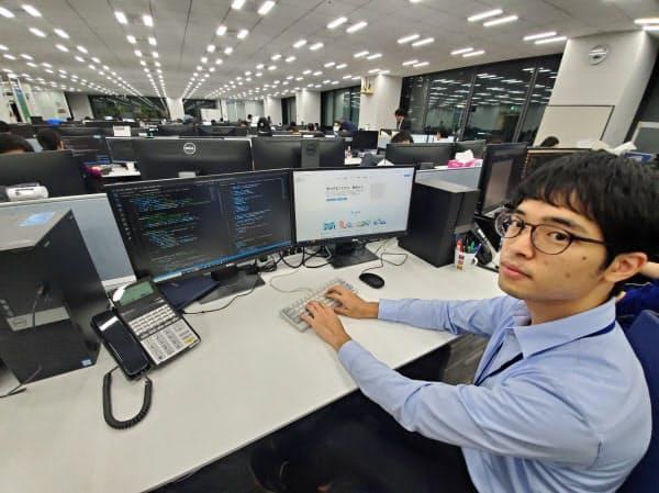 「成長が実感できるスタートアップへの就職が最大の自己投資」と話す東川翔さん(東京都新宿区)