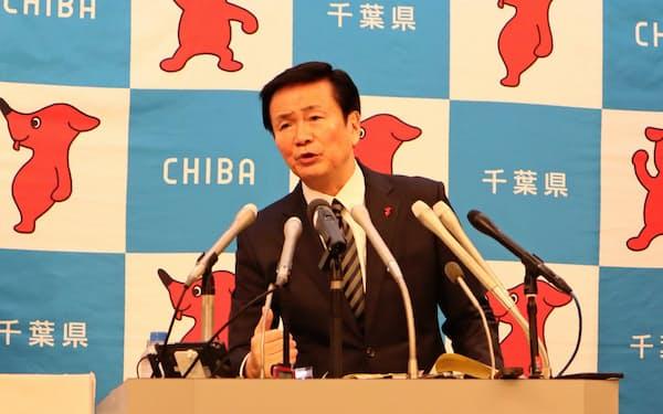 台風15号被災翌日の行動について説明する森田健作知事(7日、千葉県庁)